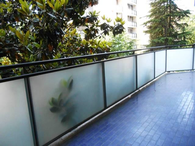 Appartamento in vendita 2 vani 70 mq.  via Mario Morgantini Milano