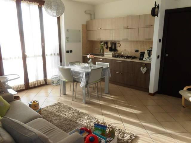 Appartamento in ottime condizioni arredato in vendita Rif. 4254134