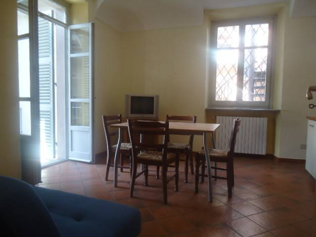 Appartamento in affitto a Alba, 2 locali, prezzo € 450   Cambio Casa.it