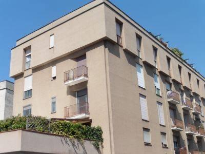 Appartamento in buone condizioni in affitto Rif. 8549129