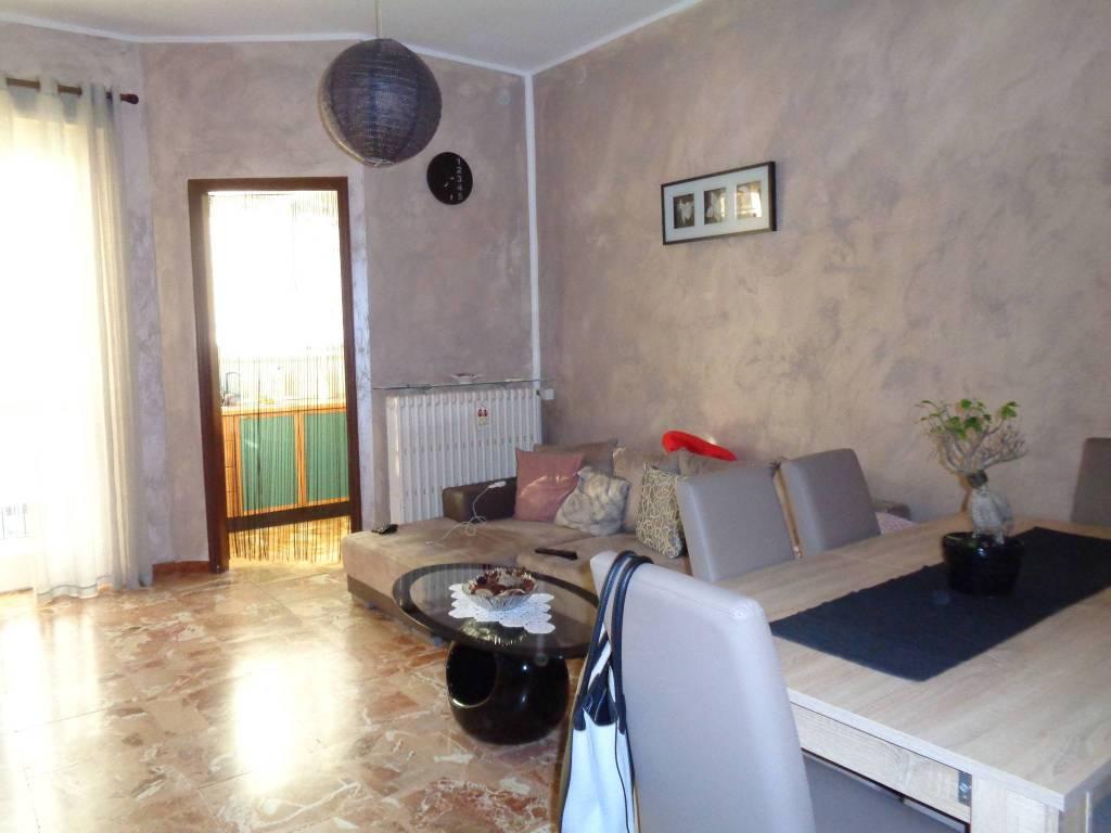 Appartamento in ottime condizioni in vendita Rif. 7528305