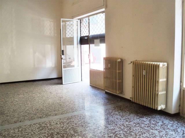 Ufficio / Studio in affitto a Asti, 3 locali, prezzo € 500 | CambioCasa.it