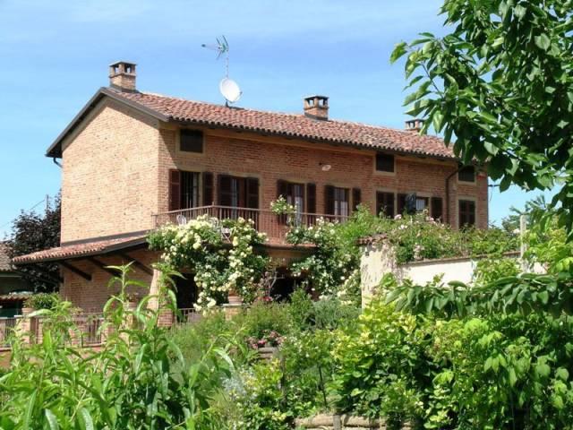 Soluzione Indipendente in vendita a Castagnole Monferrato, 4 locali, prezzo € 380.000   CambioCasa.it