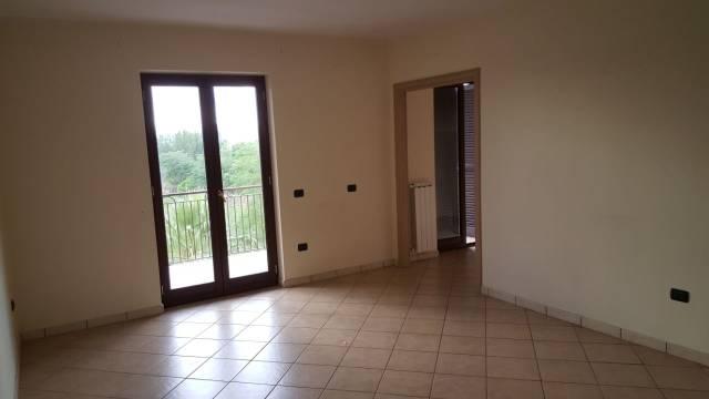 Appartamento in affitto a Sant'Arpino, 3 locali, prezzo € 400 | Cambio Casa.it