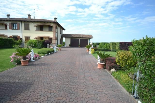 Villa in Vendita a Sala Bolognese Periferia: 5 locali, 208 mq