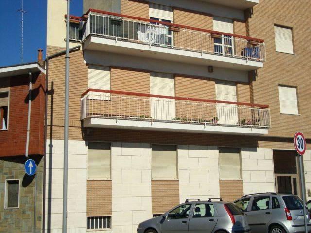 Appartamento in ottime condizioni arredato in affitto Rif. 6661155