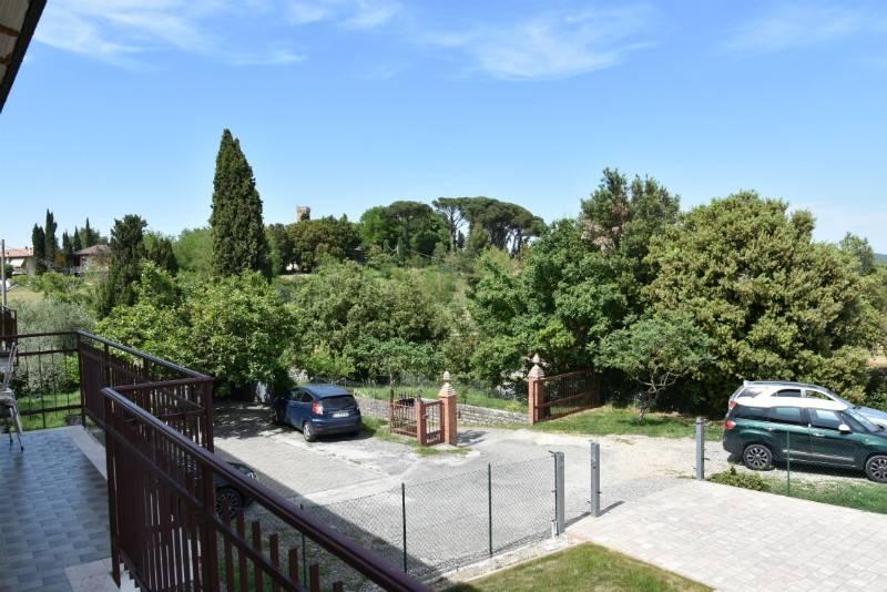 Appartamento in vendita a Città della Pieve, 6 locali, prezzo € 120.000   CambioCasa.it