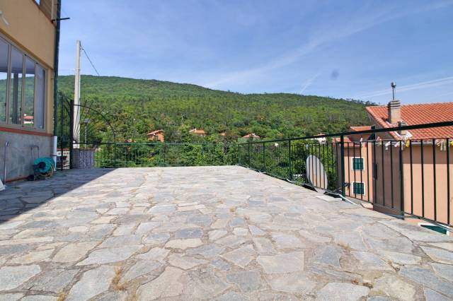Appartamento in Vendita a Vezzi Portio Periferia: 3 locali, 116 mq