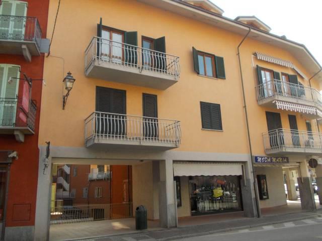 Appartamento in buone condizioni in vendita Rif. 4453543