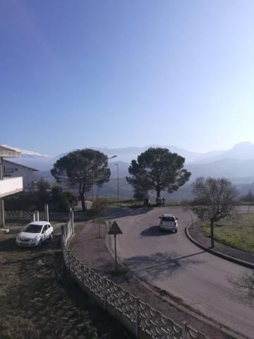 Villa in vendita a Civitaquana, 6 locali, prezzo € 360.000 | Cambio Casa.it