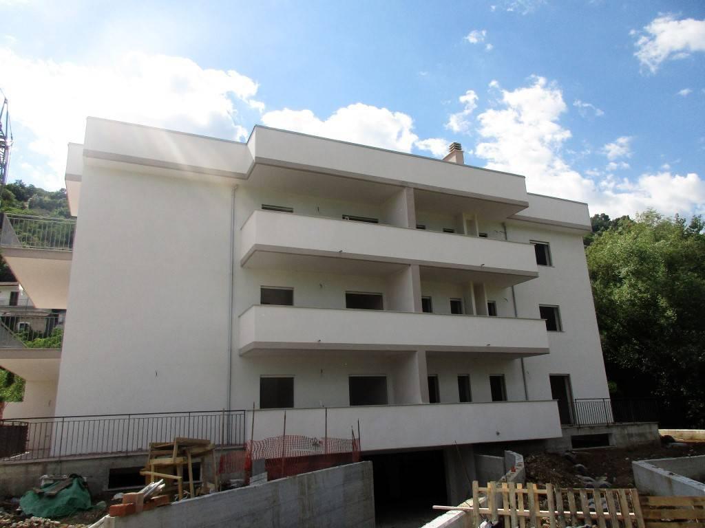 Appartamento in corso di costruzione con giardino