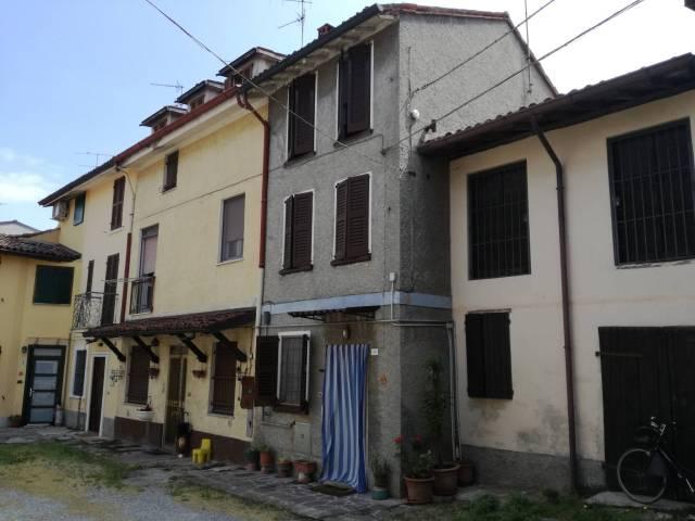 Appartamento in vendita a San Colombano al Lambro, 3 locali, prezzo € 55.000   Cambio Casa.it