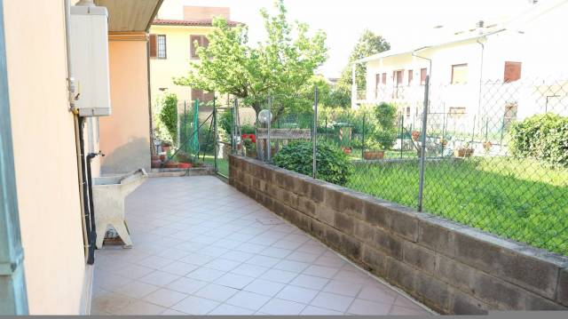 Appartamento in affitto a Altopascio, 5 locali, prezzo € 500 | Cambio Casa.it