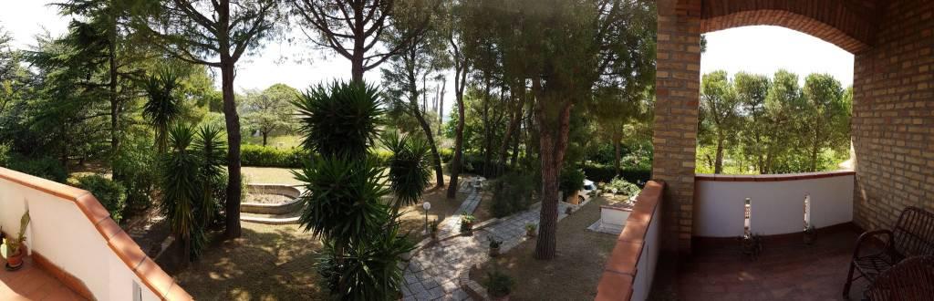 Villa in vendita a Potenza Picena, 7 locali, Trattative riservate   CambioCasa.it