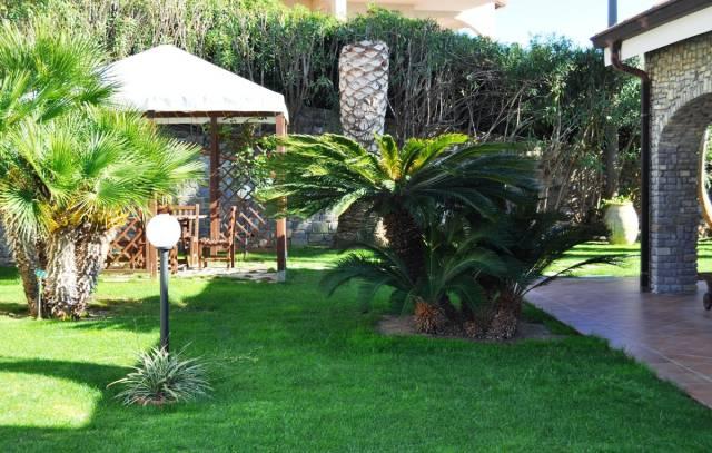 Villa in Vendita a San Remo Centro: 5 locali, 371 mq