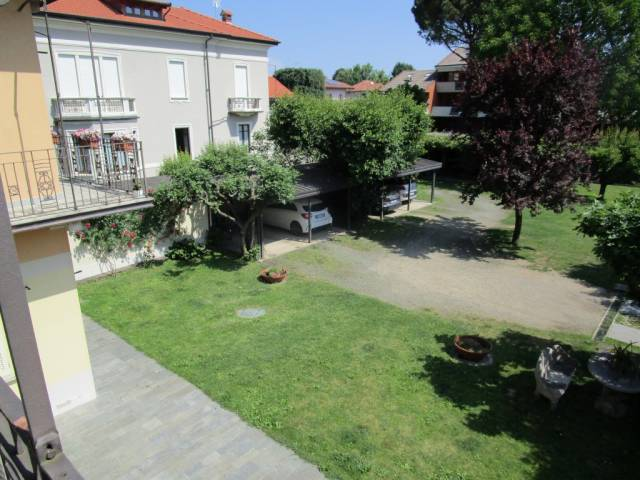 Appartamento in affitto a Borgomanero, 2 locali, prezzo € 400 | Cambio Casa.it