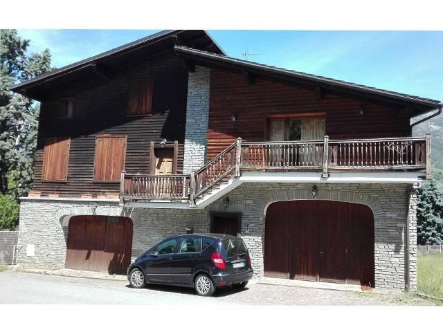 Villa in vendita a Fenis, 6 locali, prezzo € 220.000 | CambioCasa.it