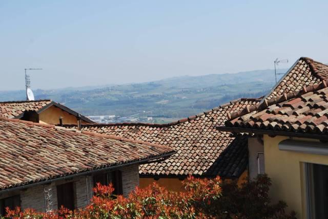 Villa in affitto a Guarene, 6 locali, prezzo € 500 | CambioCasa.it