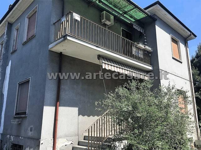 Villa in vendita a San Giorgio su Legnano, 6 locali, prezzo € 269.000   Cambio Casa.it