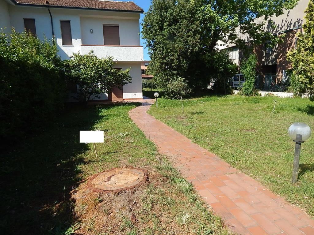 Casa Indipendente in buone condizioni arredato in vendita Rif. 9151386