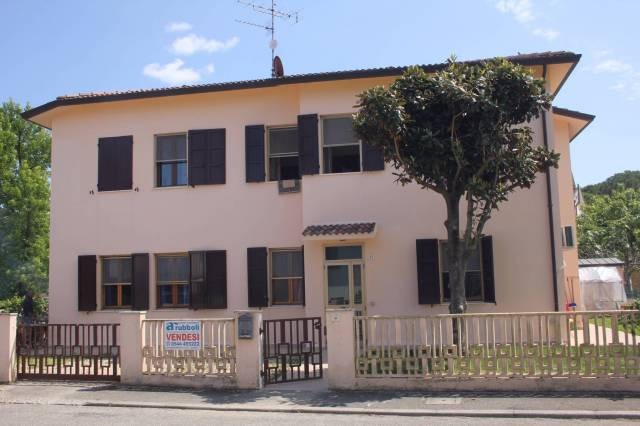 Appartamento trilocale in vendita a Ravenna (RA)