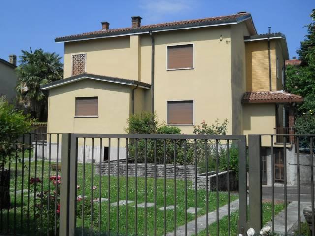 Villa in vendita a Arcore, 6 locali, Trattative riservate | Cambio Casa.it