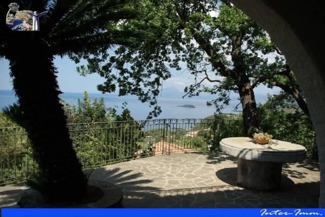 Villa 6 locali in vendita a Maratea (PZ)