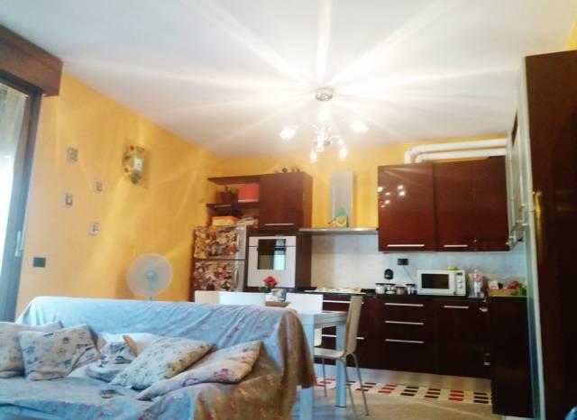 Appartamento in buone condizioni arredato in vendita Rif. 5030191