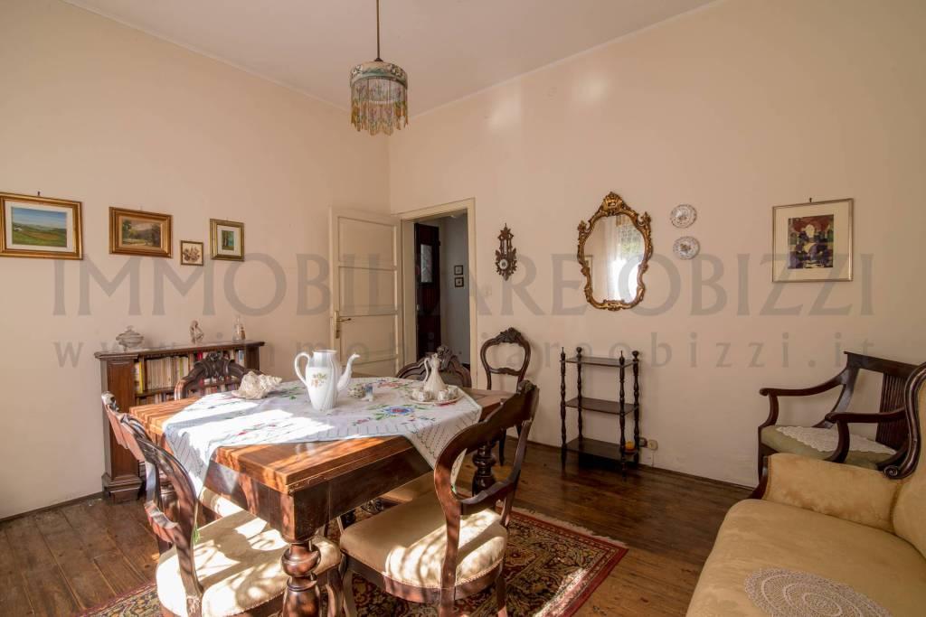 Villa da ristrutturare parzialmente arredato in vendita Rif. 9287611