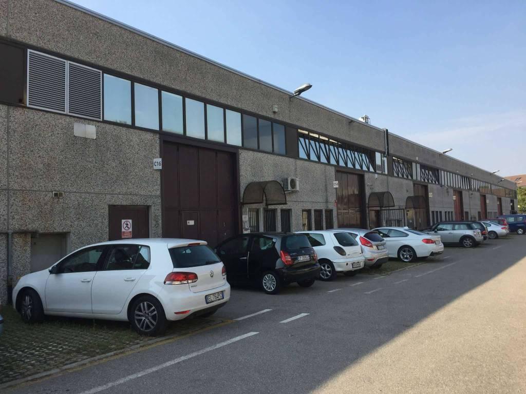 ROZZANO - Capannone - Laboratorio e Uffici Rif. 8895191