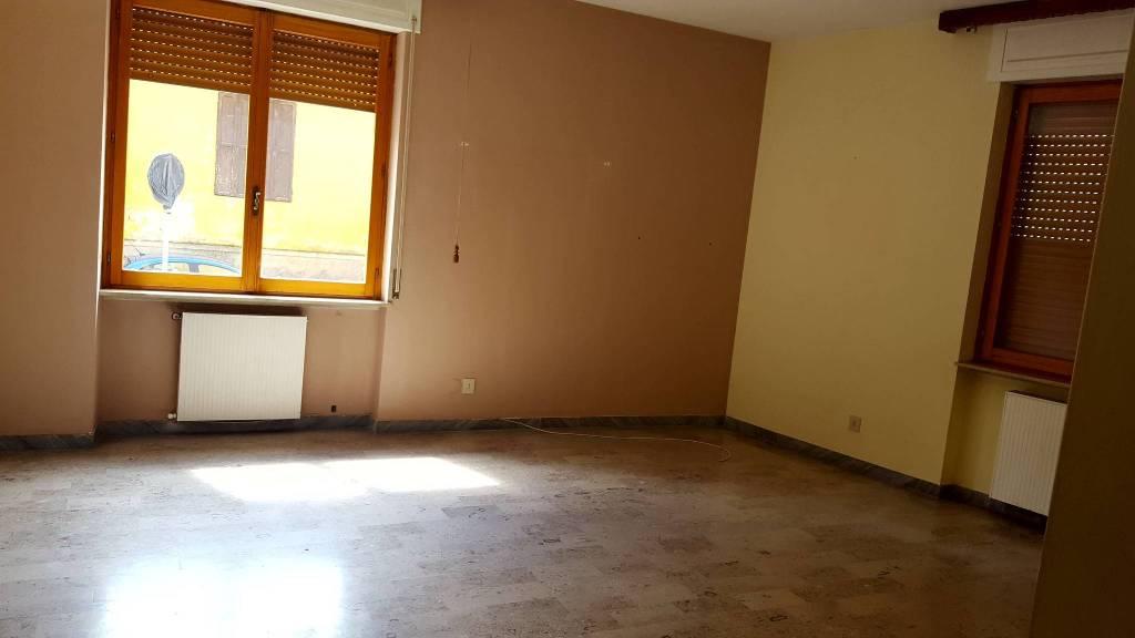 Appartamento in Vendita a Piacenza Centro: 4 locali, 120 mq