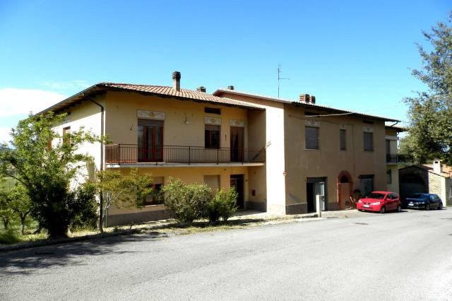 Appartamento in buone condizioni parzialmente arredato in vendita Rif. 4254241