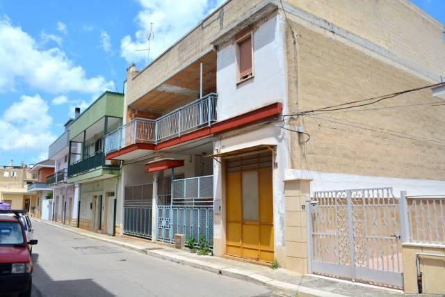 Stabile / Palazzo da ristrutturare in vendita Rif. 4570079