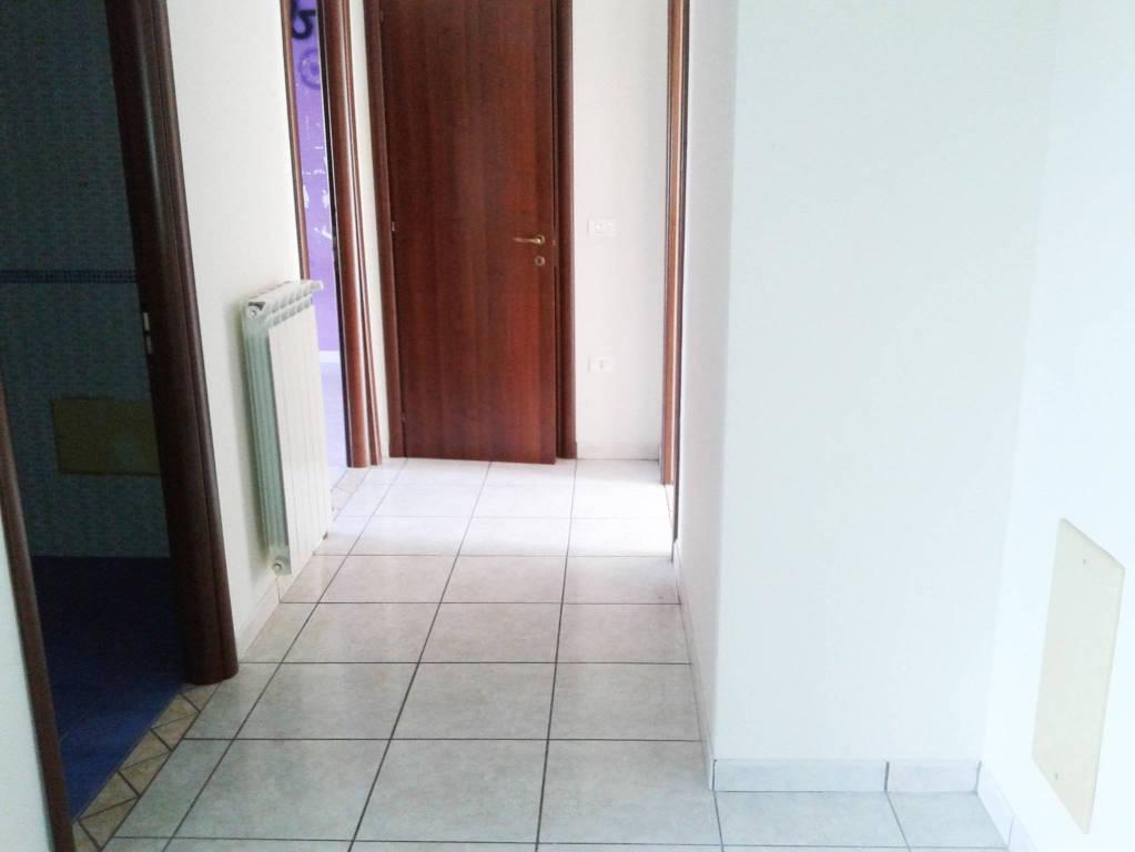 Appartamento in buone condizioni in affitto Rif. 7363989