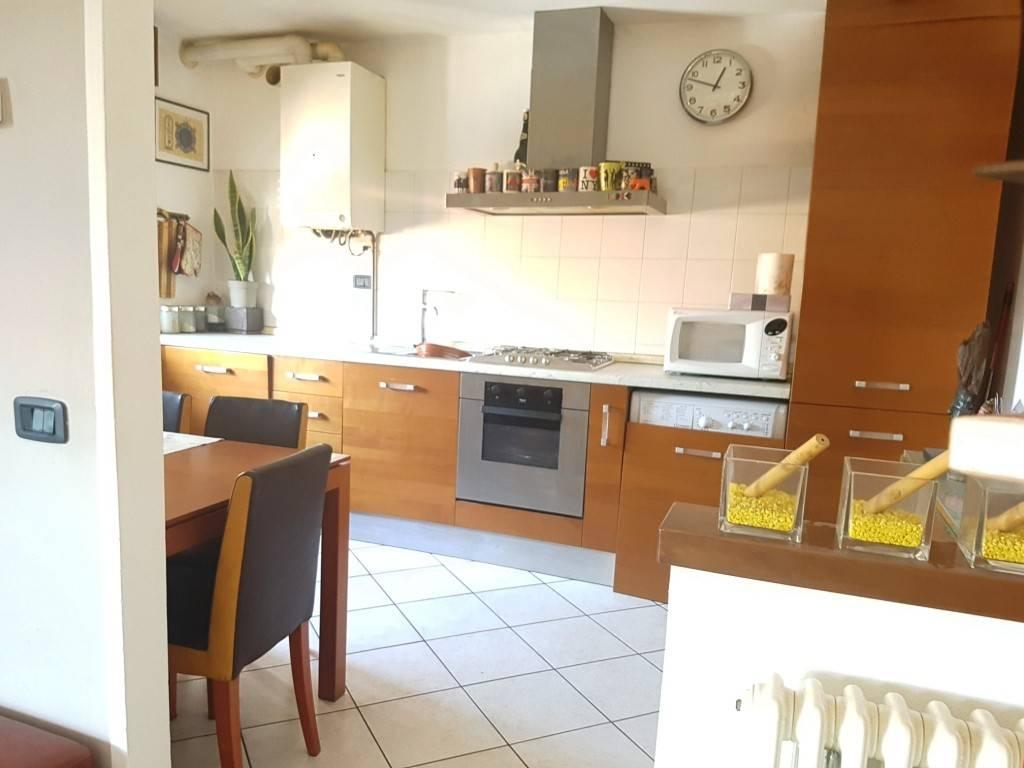 Appartamento in ottime condizioni arredato in vendita Rif. 4881507