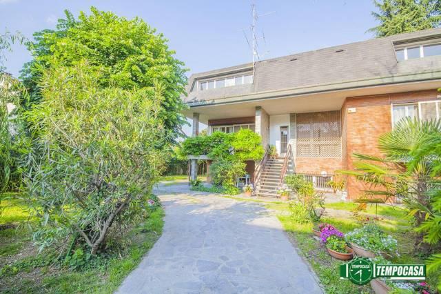 Villa in vendita a Paderno Dugnano, 4 locali, Trattative riservate | Cambio Casa.it