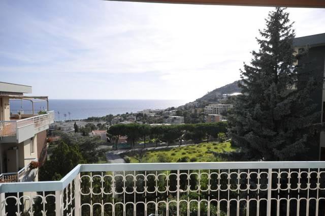 Appartamento in Vendita a San Remo Periferia Nord: 3 locali, 91 mq