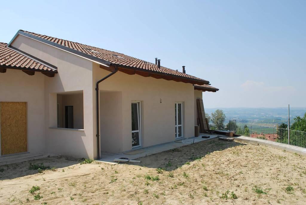 Villa in vendita a Diano d'Alba, 7 locali, prezzo € 355.000 | CambioCasa.it
