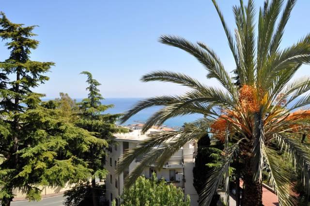 Appartamento in Vendita a San Remo Semicentro: 4 locali, 208 mq