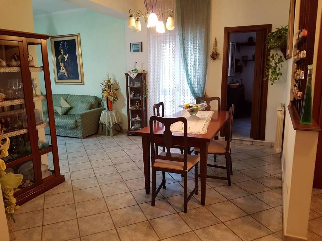 Appartamento in ottime condizioni arredato in vendita Rif. 8660122