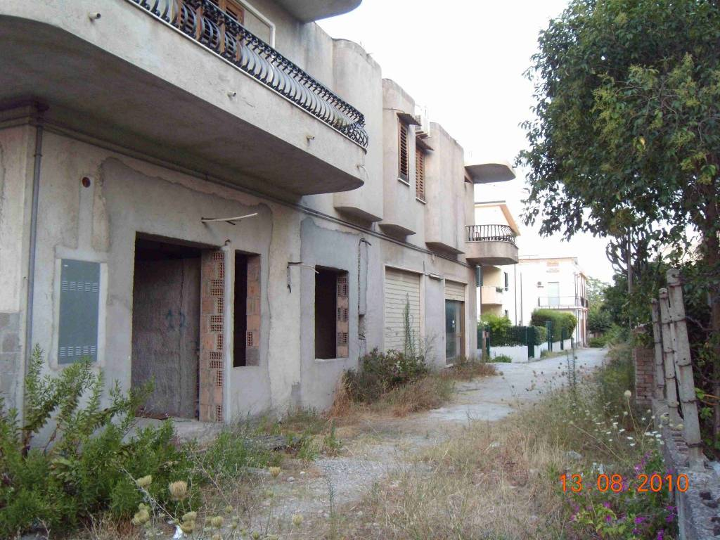 Appartamento in vendita a Siderno, 4 locali, Trattative riservate | CambioCasa.it