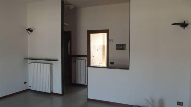 Appartamento in vendita a Castiglione d'Adda, 3 locali, prezzo € 75.000 | Cambio Casa.it