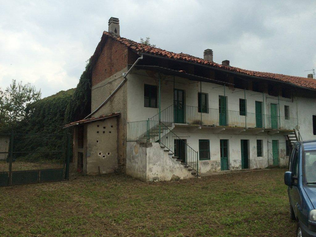 Rustico / Casale da ristrutturare in vendita Rif. 5233050