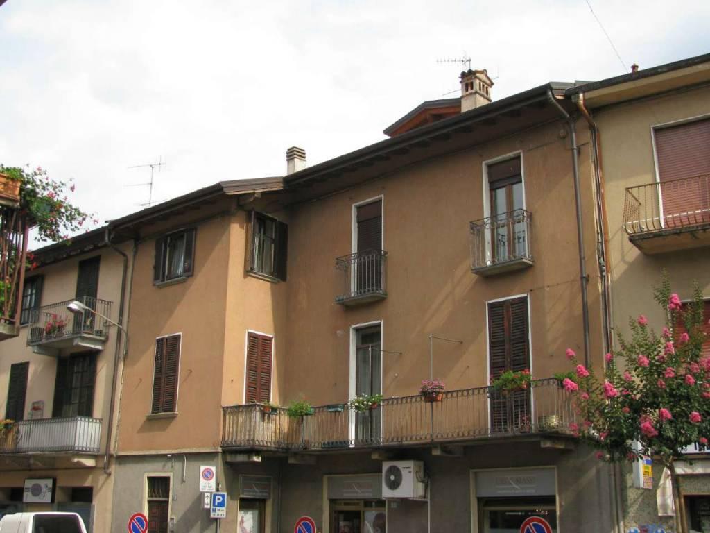 Appartamento in vendita a Germignaga, 3 locali, prezzo € 110.000 | CambioCasa.it
