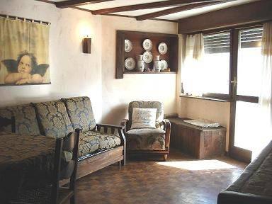 Appartamento in buone condizioni arredato in affitto Rif. 4810759
