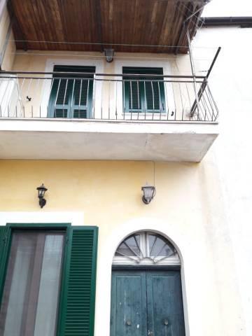 Appartamento in ottime condizioni in vendita Rif. 4244164