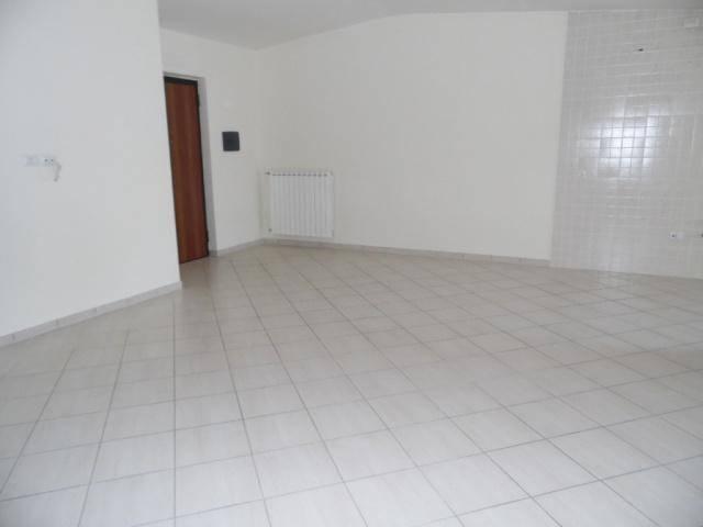 Attico / Mansarda in affitto a Aversa, 3 locali, prezzo € 450   Cambio Casa.it