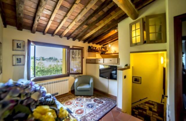 Appartamento in vendita a Pescia, 9999 locali, prezzo € 98.000 | Cambio Casa.it