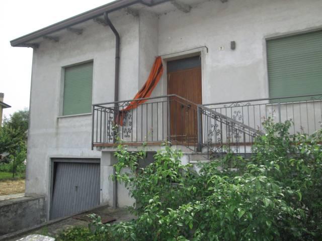 Villa in vendita a Castellucchio, 5 locali, prezzo € 75.000 | CambioCasa.it