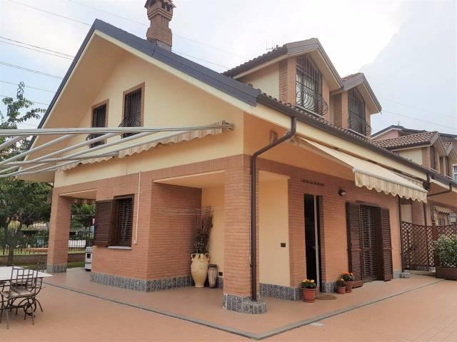 Villa in vendita a Nichelino, 5 locali, prezzo € 540.000 | Cambio Casa.it